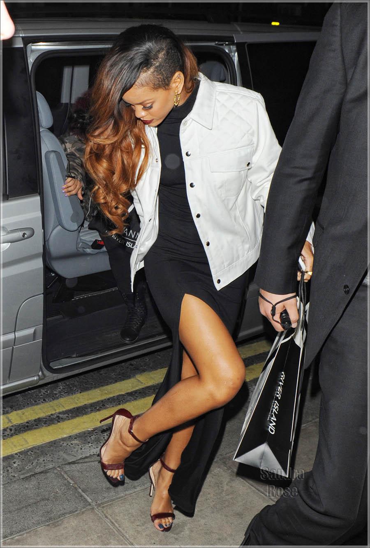 Rihanna Retuning To Her Hotel