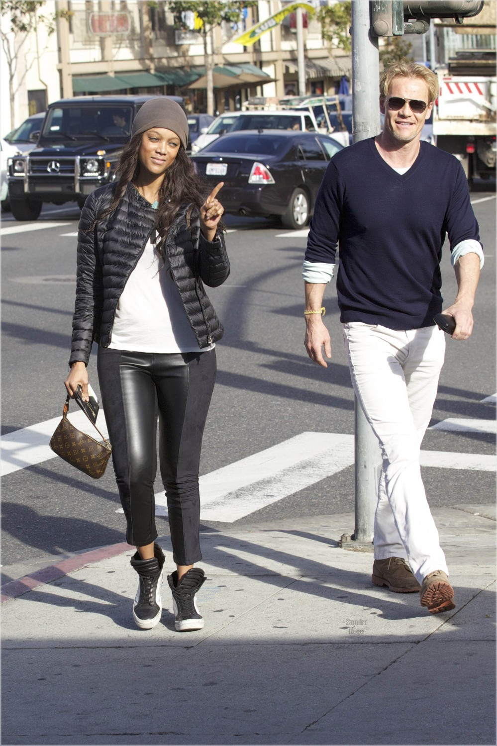 Tyra Banks and new boyfriend out for lunch | Sandra Rose