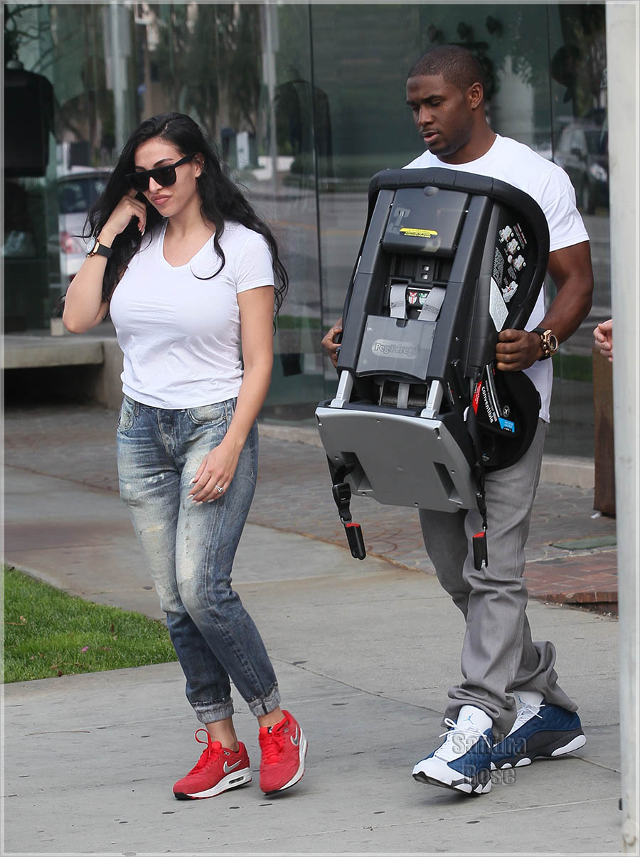 Reggie Bush and Lilit Avagyan shopping at Bel Bambini baby boutique