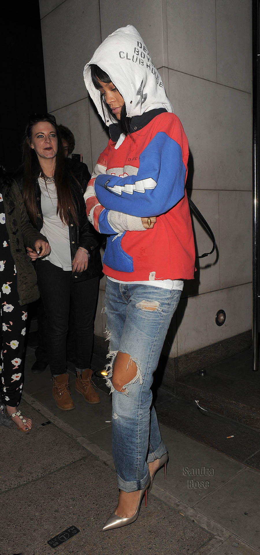 Drake and Rihanna leave Nobu restaurant on Park Lane, 30 seconds apart, having dined there together