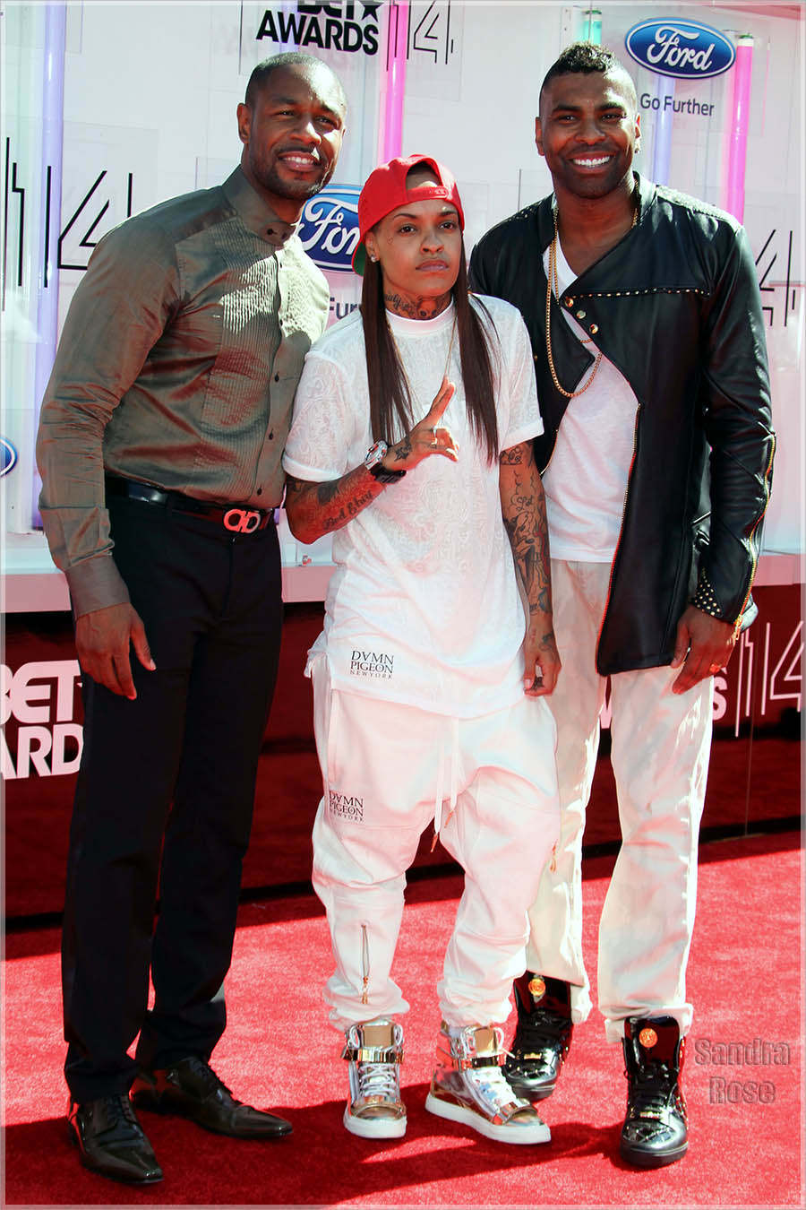 Tank Ginuwine and Siya at the 2014 BET Awards