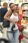 Draya Michele shopping at Gelsons Supermarket