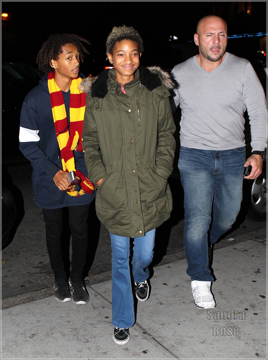 Jaden and Willow Smith hanging out with Kendall Jenner