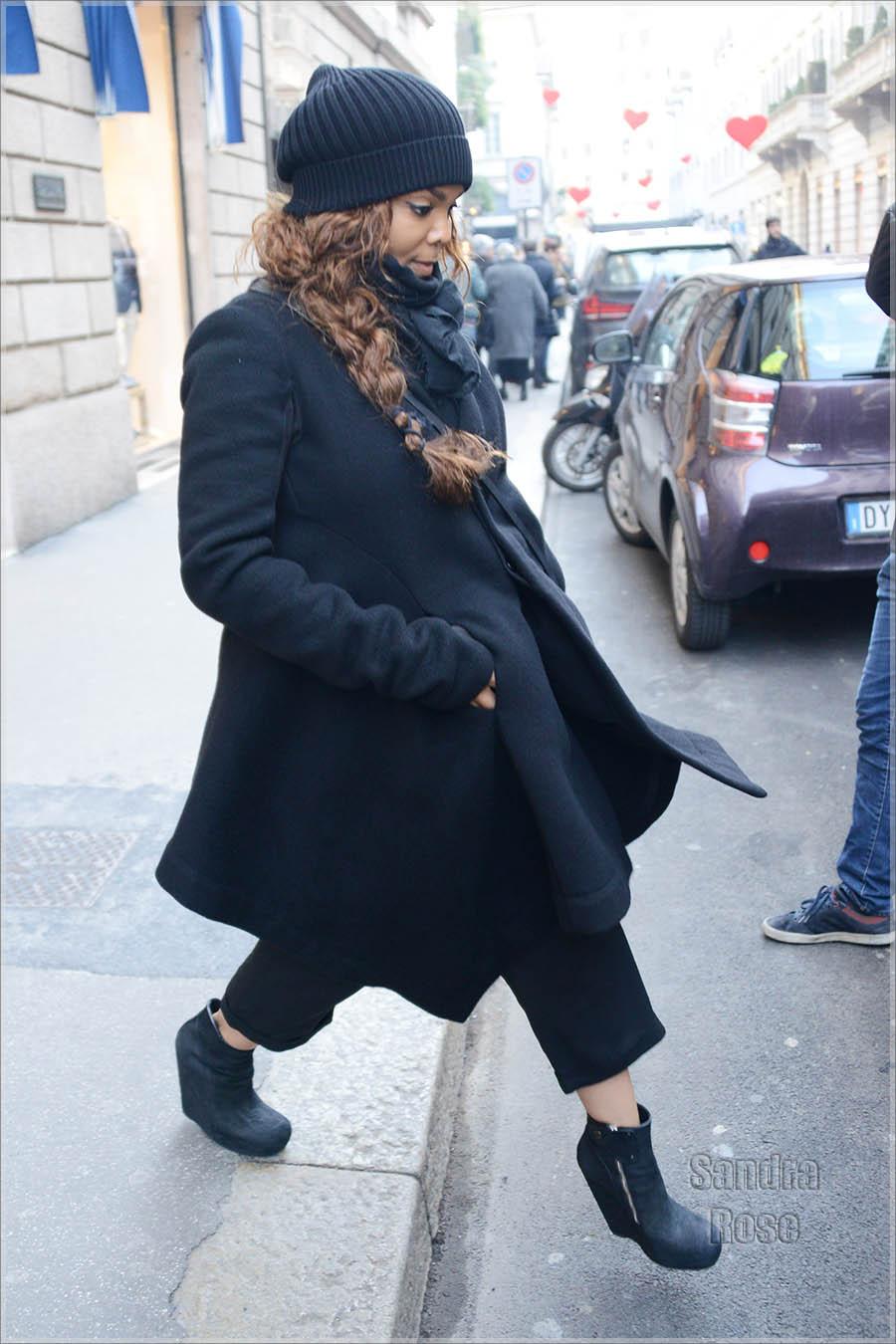 Janet Jackson shopping at Giuseppe Zanottii