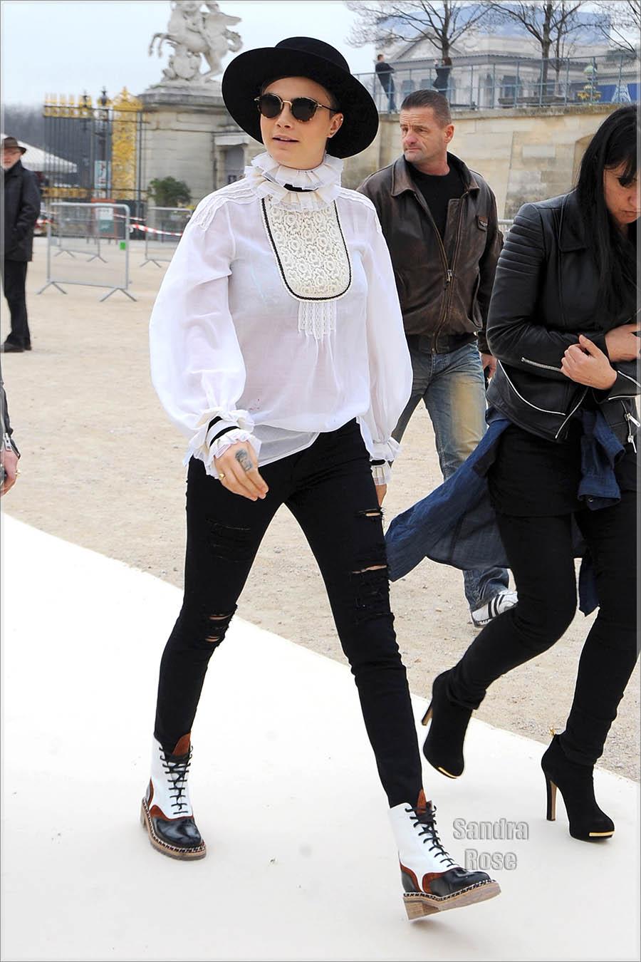 Paris Fashion Week Fall/Winter 2015 - Valentino - Arrivals