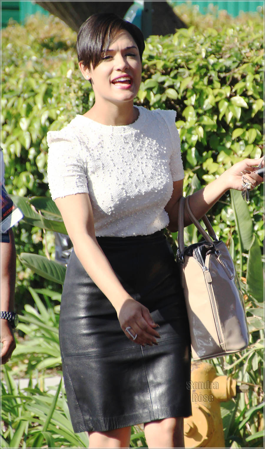 Grace Gealey appearing on 'Extra'