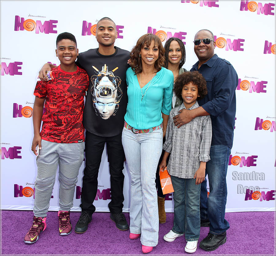Holly Robinson and Rodney Peete and kids attend Twentieth Century Fox special screening of HOME