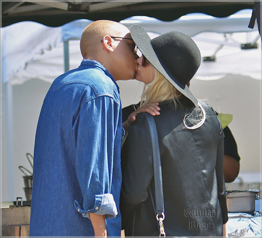 Heavily pregnant Ashlee Simpson at the Studio City Farmers Market