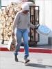 Kelly Rowland doing some last minute Thanksgiving shopping
