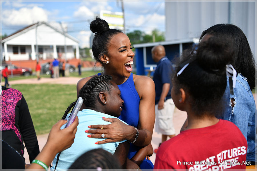 Kelly Rowland at Boys and Girls Club in Atlanta