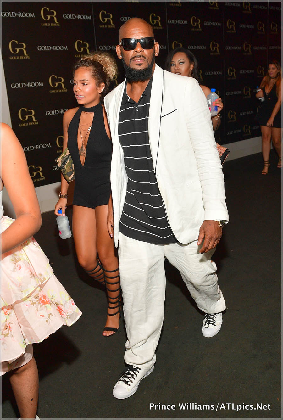 R Kelly and girlfriend at Gold Room