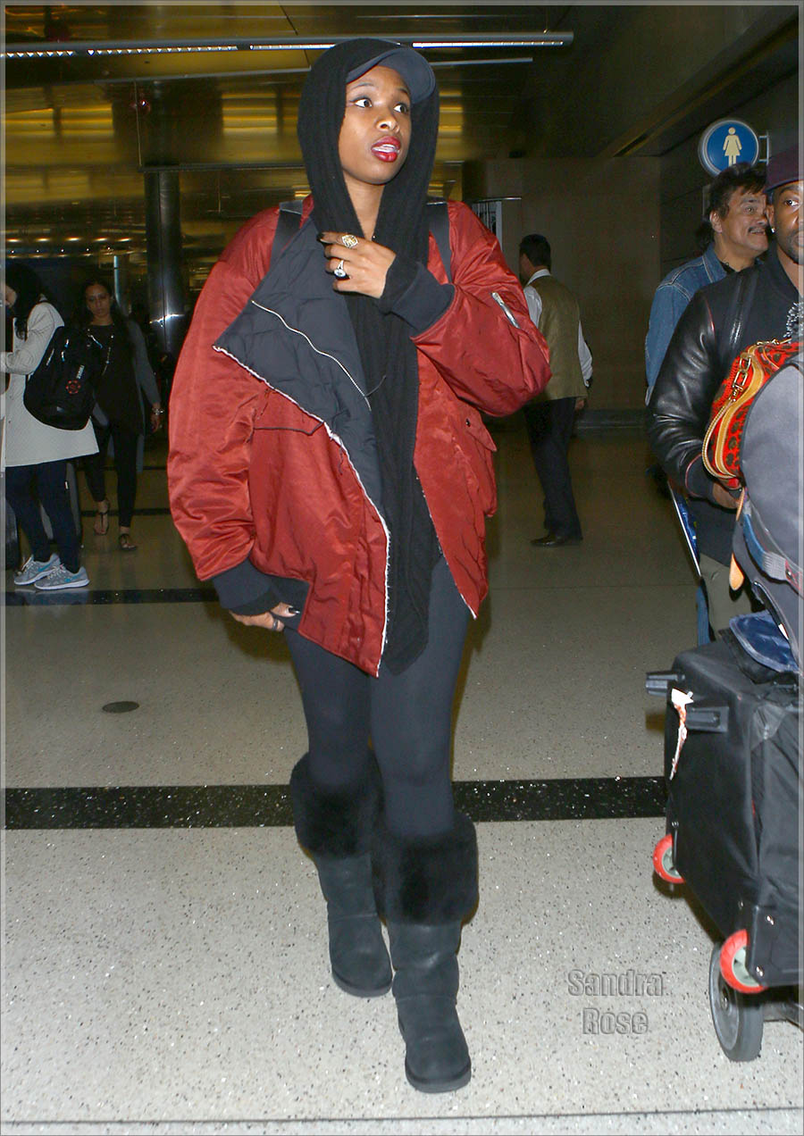 Jennifer Hudson at LAX