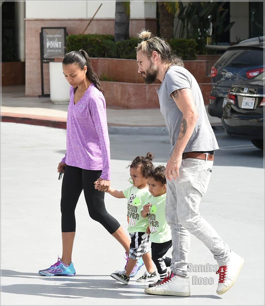 Zoe Saldana & family