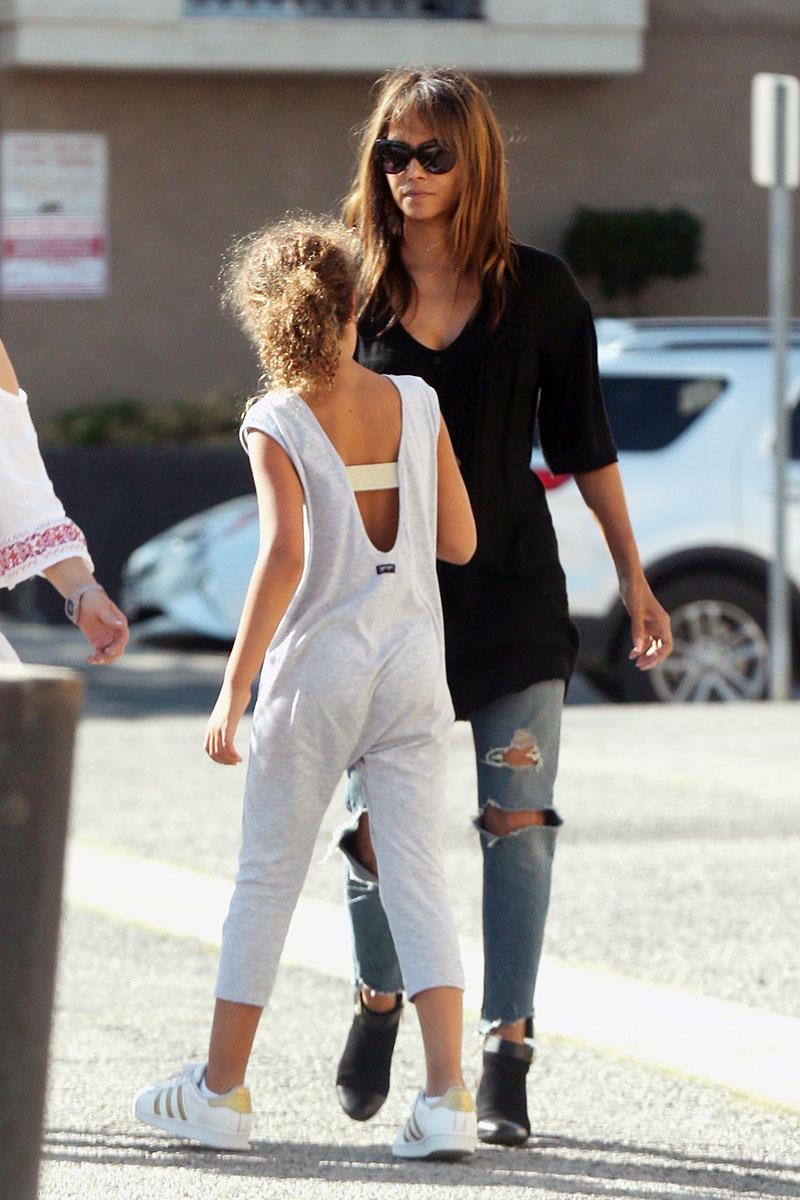 Halle Berry Amp Daughter Nahla Aubry Sandra Rose