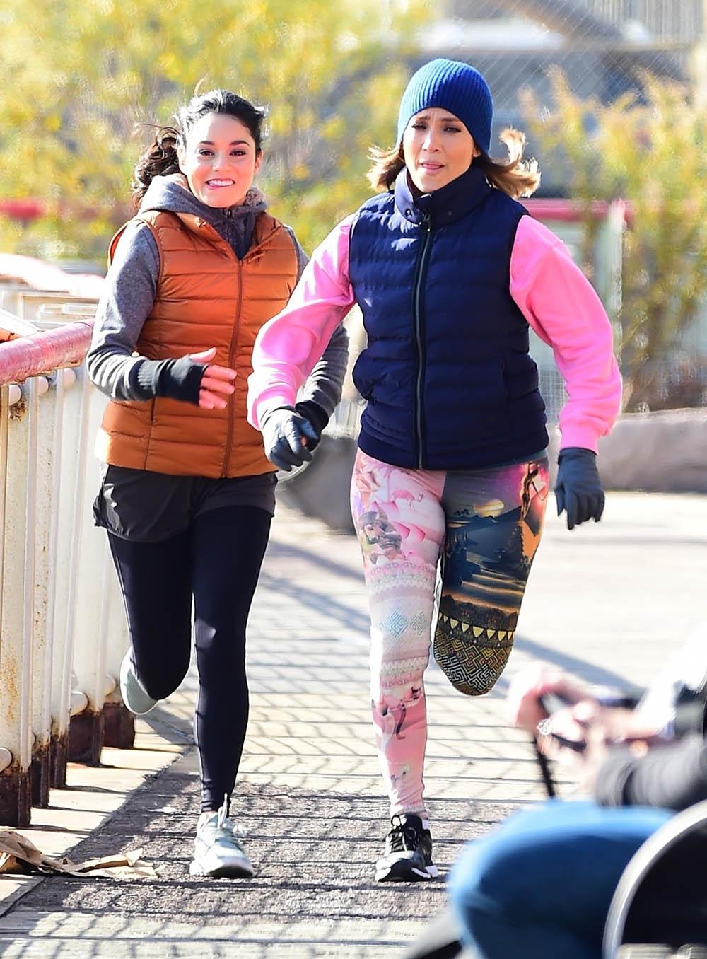 Jennifer Lopez, Vanessa Hudgens