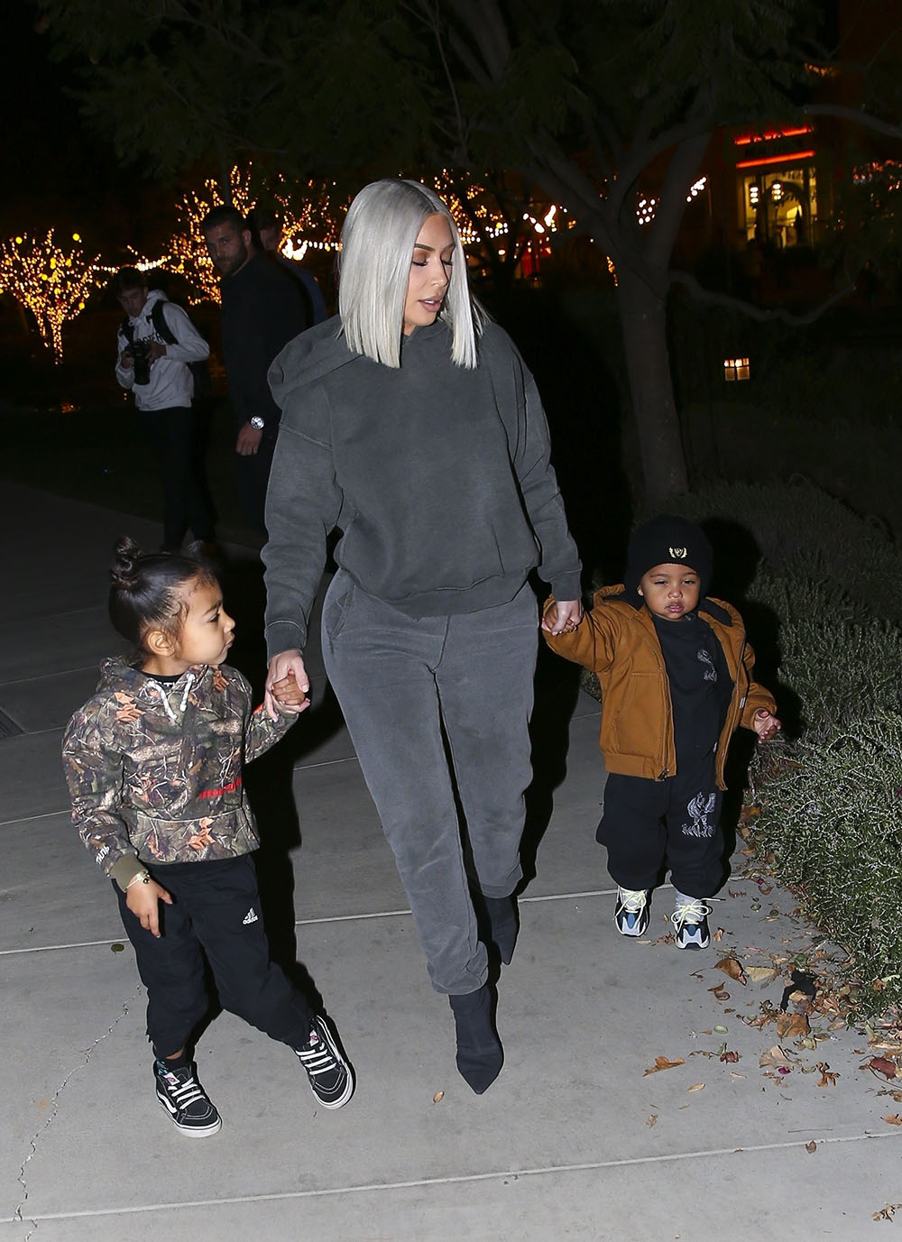 Kim Kardashian & Kourtney Kardashian take the kids ice skating