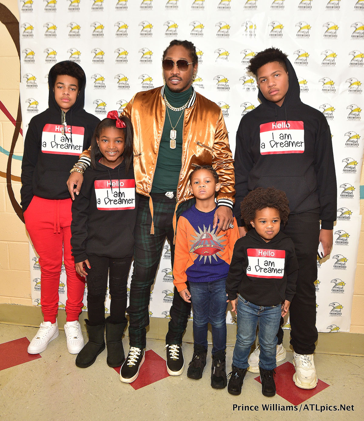 Future with his 5 children