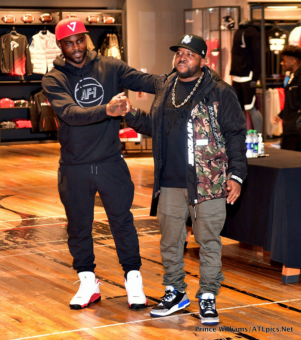 PICS: Mike Vick & Big Boi Partner with Nike, Lenox Square for Holiday Shoe  Giveaway