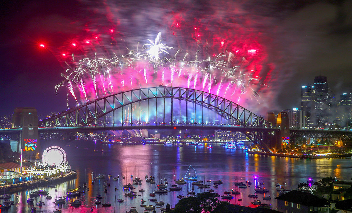 New Zealanders Celebrate New Year's Eve 2017