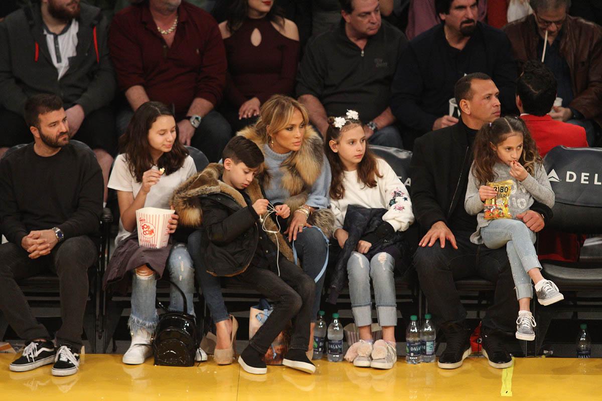 Jennifer Lopez, Alex Rodriguez & Kids at the Hornets vs Lakers game