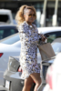 Eve stops for a smoothie in Los Angeles