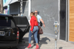 Mary J. Blige dines at Jon & Vinny's with her sister