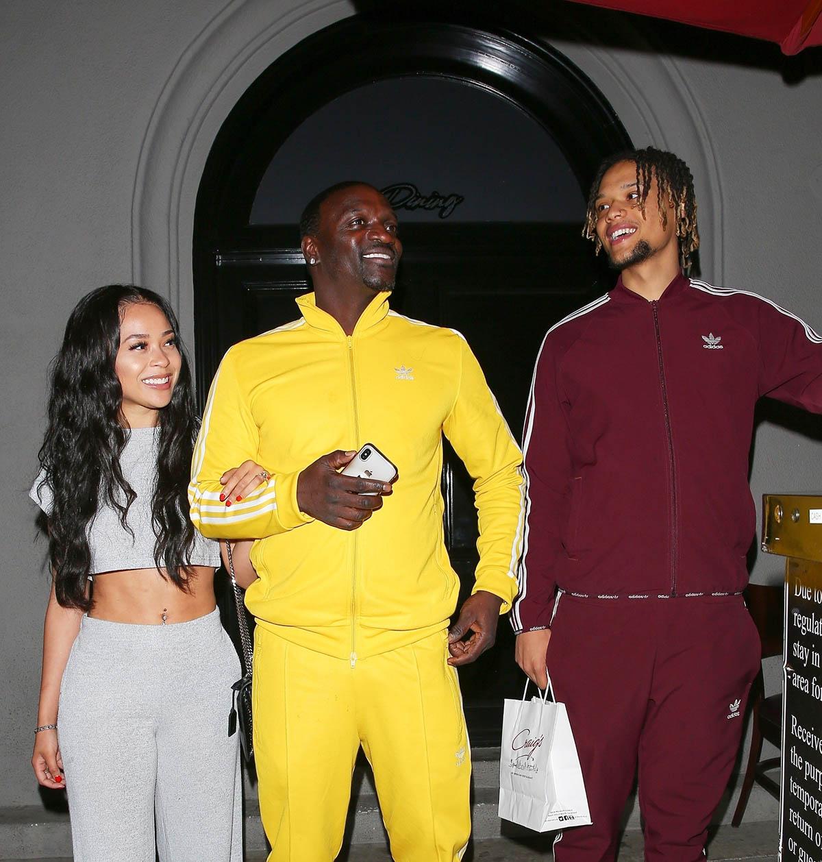 Akon, his girlfriend and son dine at Craig's