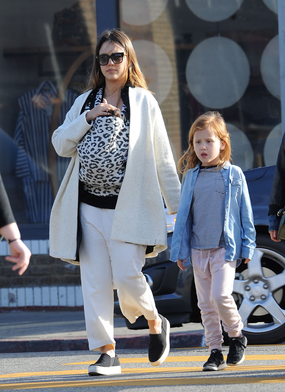 cash warren  u0026 jessica alba out with the family
