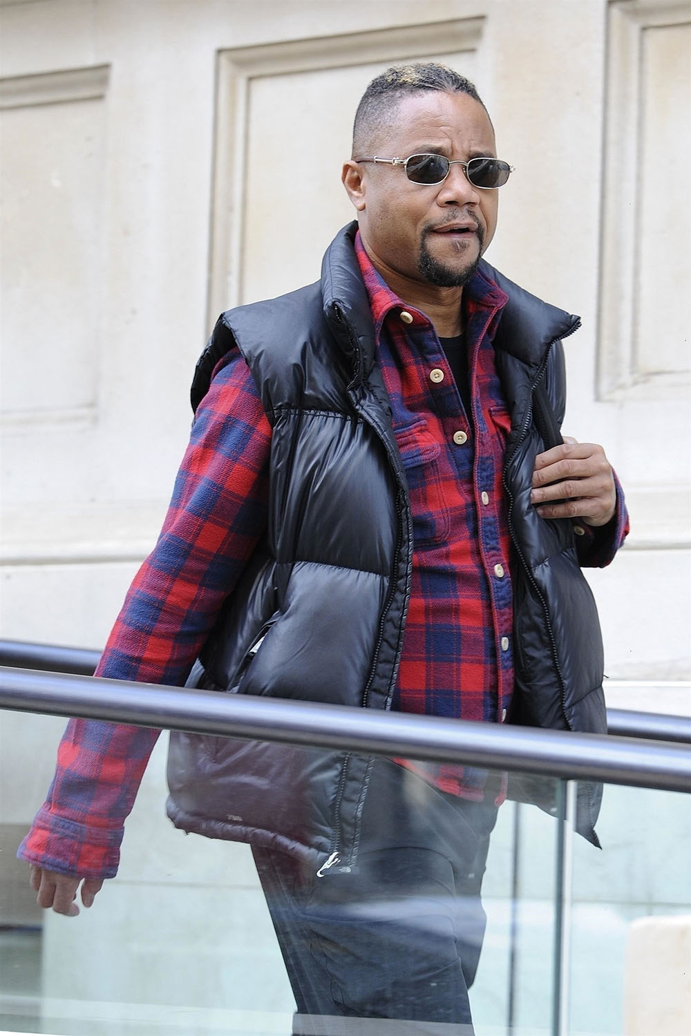 Cuba Gooding Jr Amp Mindy Kaling Are Seen In London Sandra
