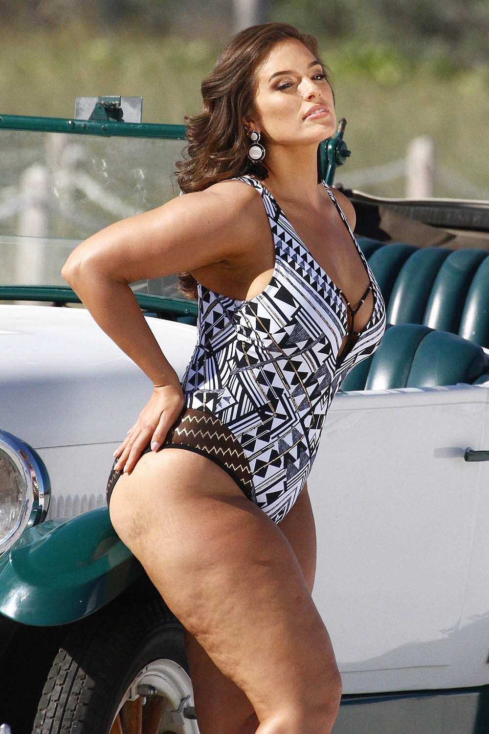 Ashley Graham Swimsuit Photo Shoot In Miami Sandra Rose