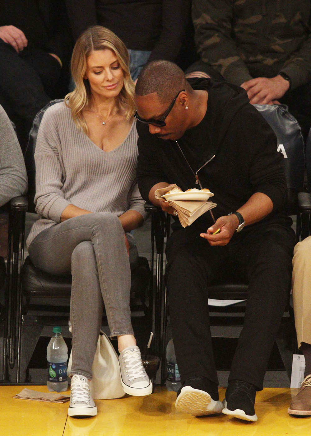 Eddie Murphy Amp Paige Butcher At The Los Angeles Lakers