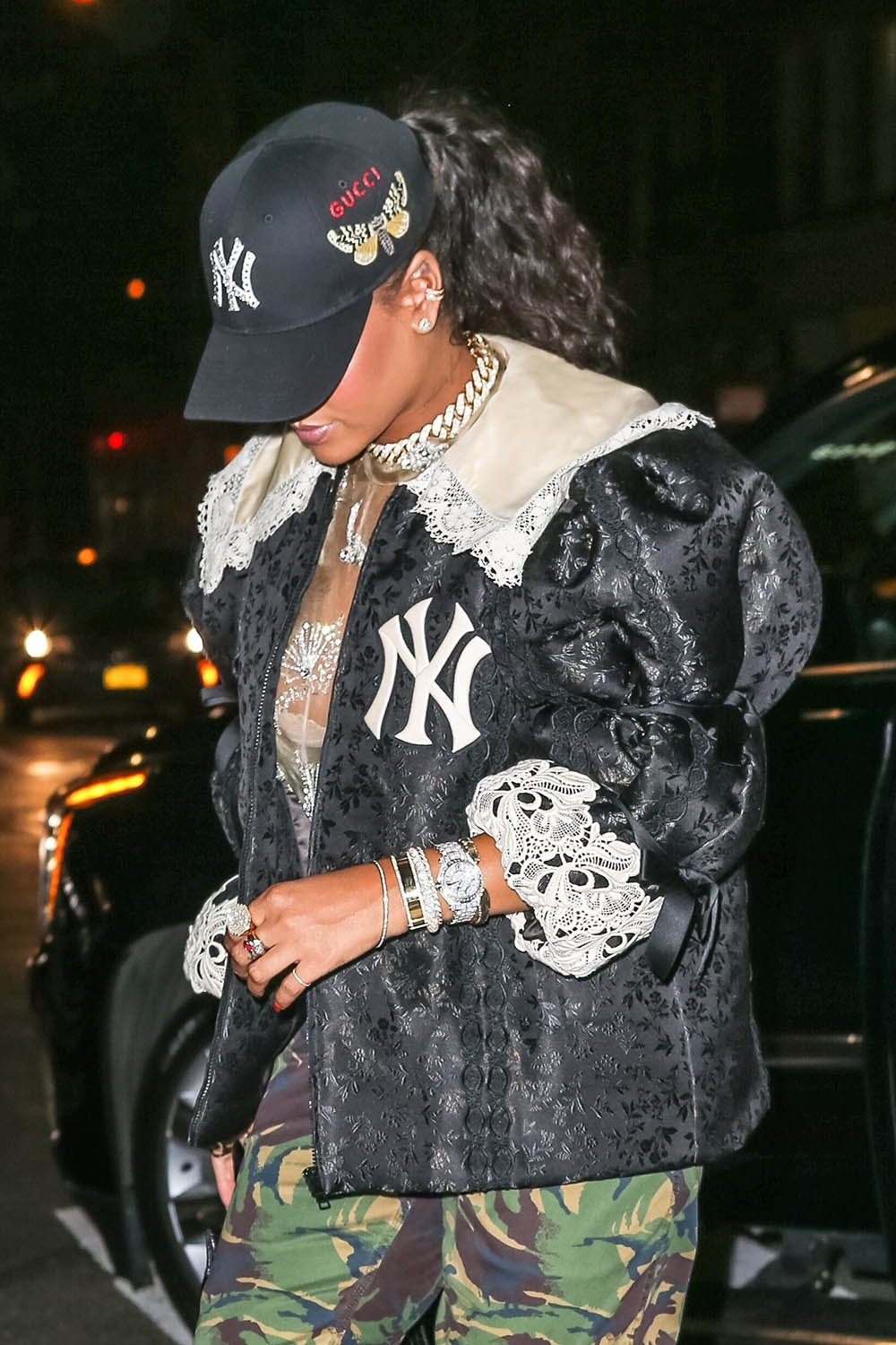 Rihanna reps the NY Yankees for the Gucci Party  08335889403