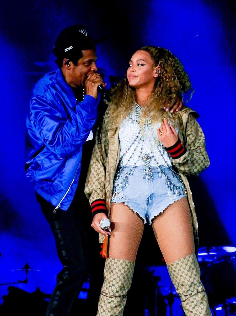 Celebrity Style Beyonce Wears Gucci To Kick Off Otr Ii