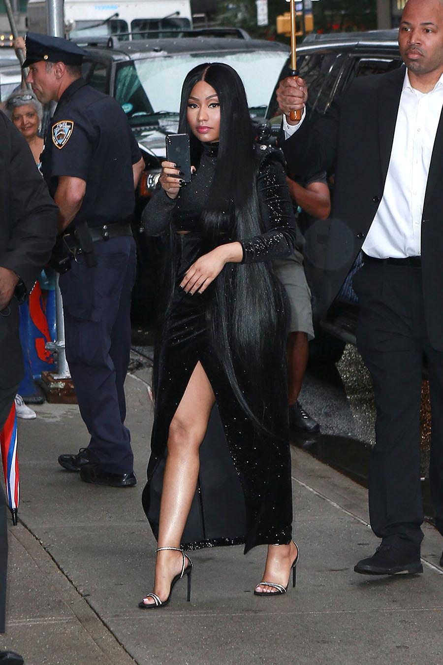 Paparazzi Nikki Minaj nude photos 2019