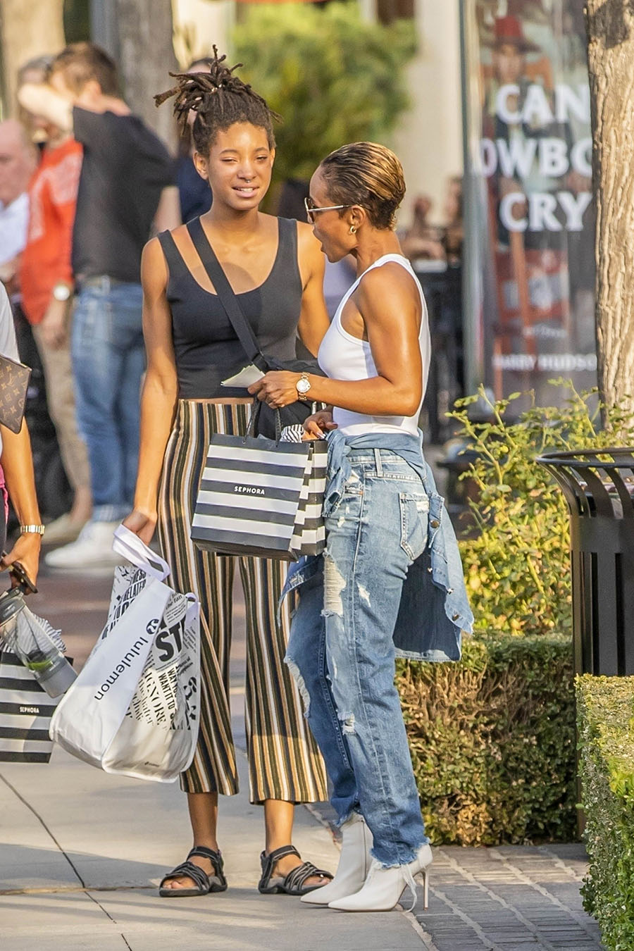 Willow Smith Enjoyed Labor Day Weekend Sale Shopping With